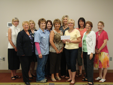 Thank you to everyone who participated in the EFY Golf Outing at Airport National Golf on June 1, 2014! Event chair, Cheryl Mrstik, presented the EFY Race Committee with a check for $3,650 to support breast-care services for individuals in need in our community.